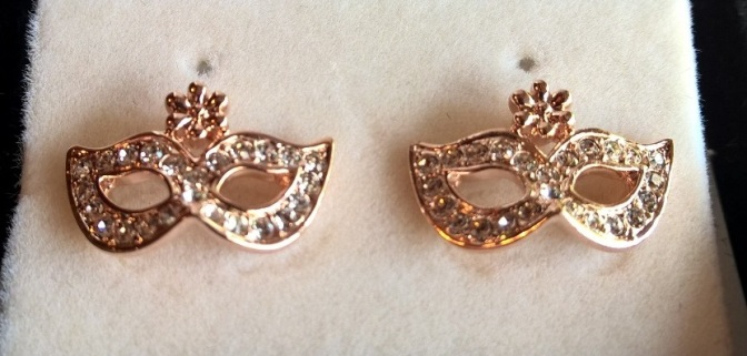 masque Earrings